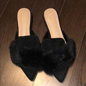 Aldo black faux fur size 9 slides